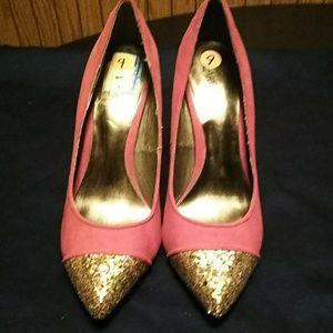 Carlos Santana Shoes - A pair of red & glitter toe Carlos Santana pumps